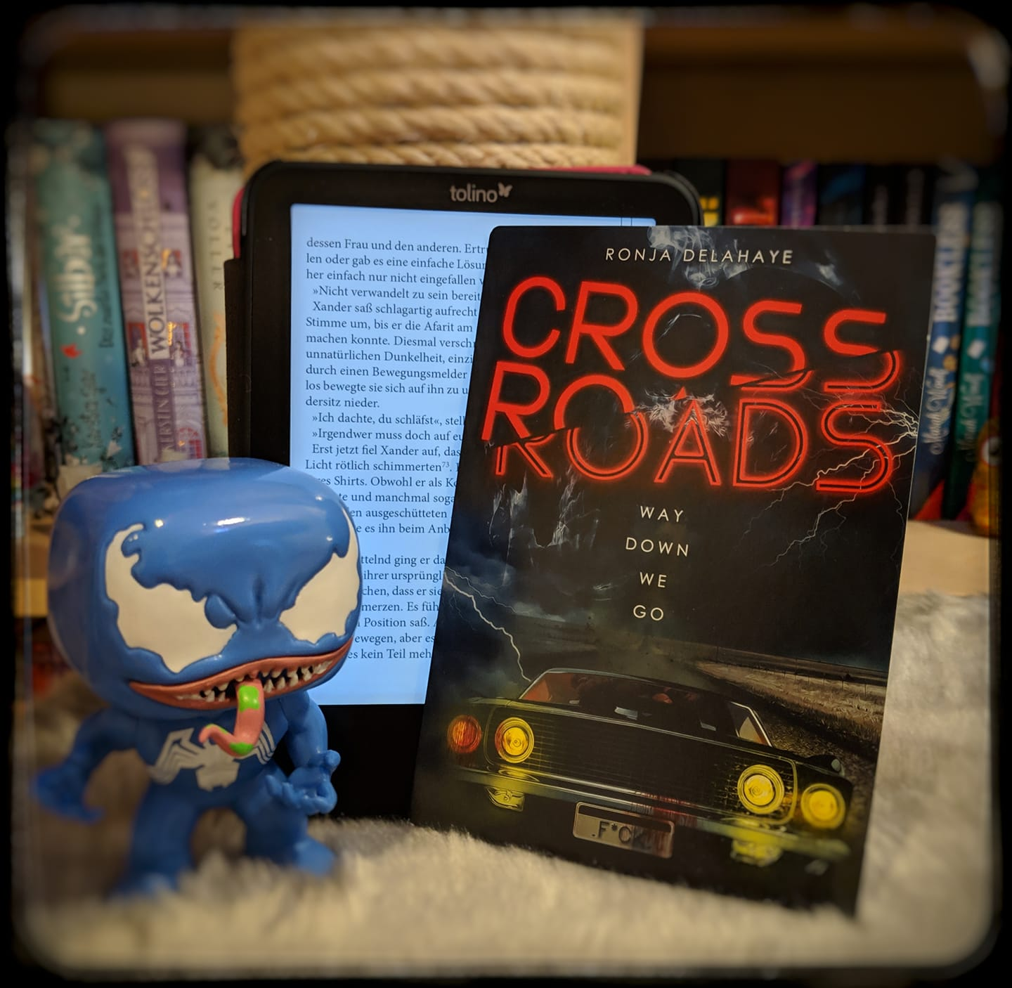 "Rezension – Crossroads "" Way down we go"""